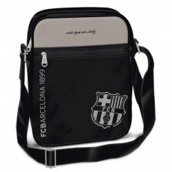 Barcelona közepes álló oldaltáska fekete - 93366595 Táska, sulis felszerelés - FC Barcelona